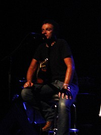 rob-dickinson-live-1.jpg